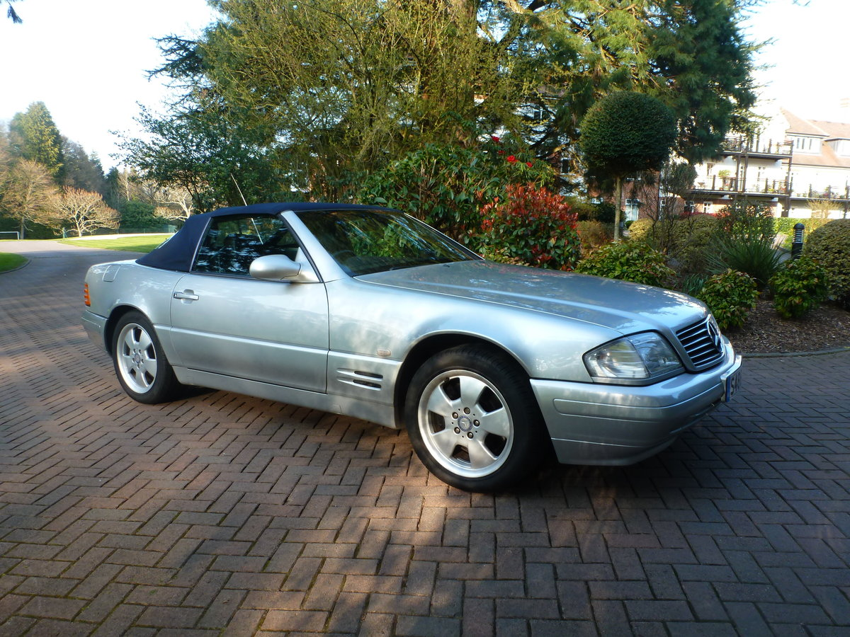 1998 Beautiful low mileage SL280 For Sale (picture 1 of 6)