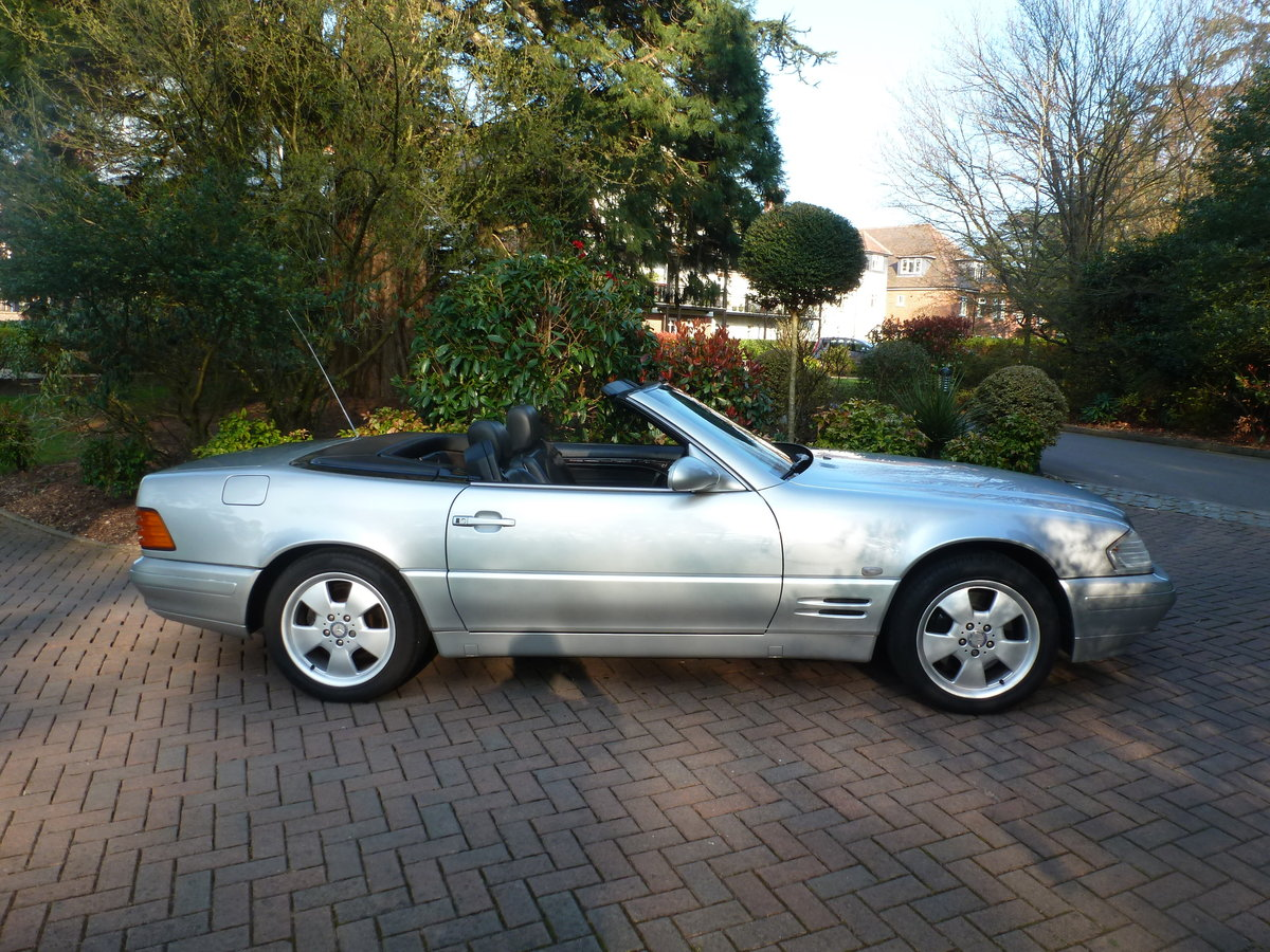 1998 Beautiful low mileage SL280 For Sale (picture 3 of 6)