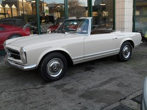 1966 Mercedes Benz 230SL  Pagoda one family owner from new For Sale