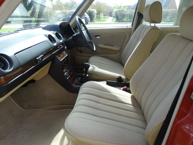1983 MERCEDES 230E 2.3  For Sale (picture 4 of 6)