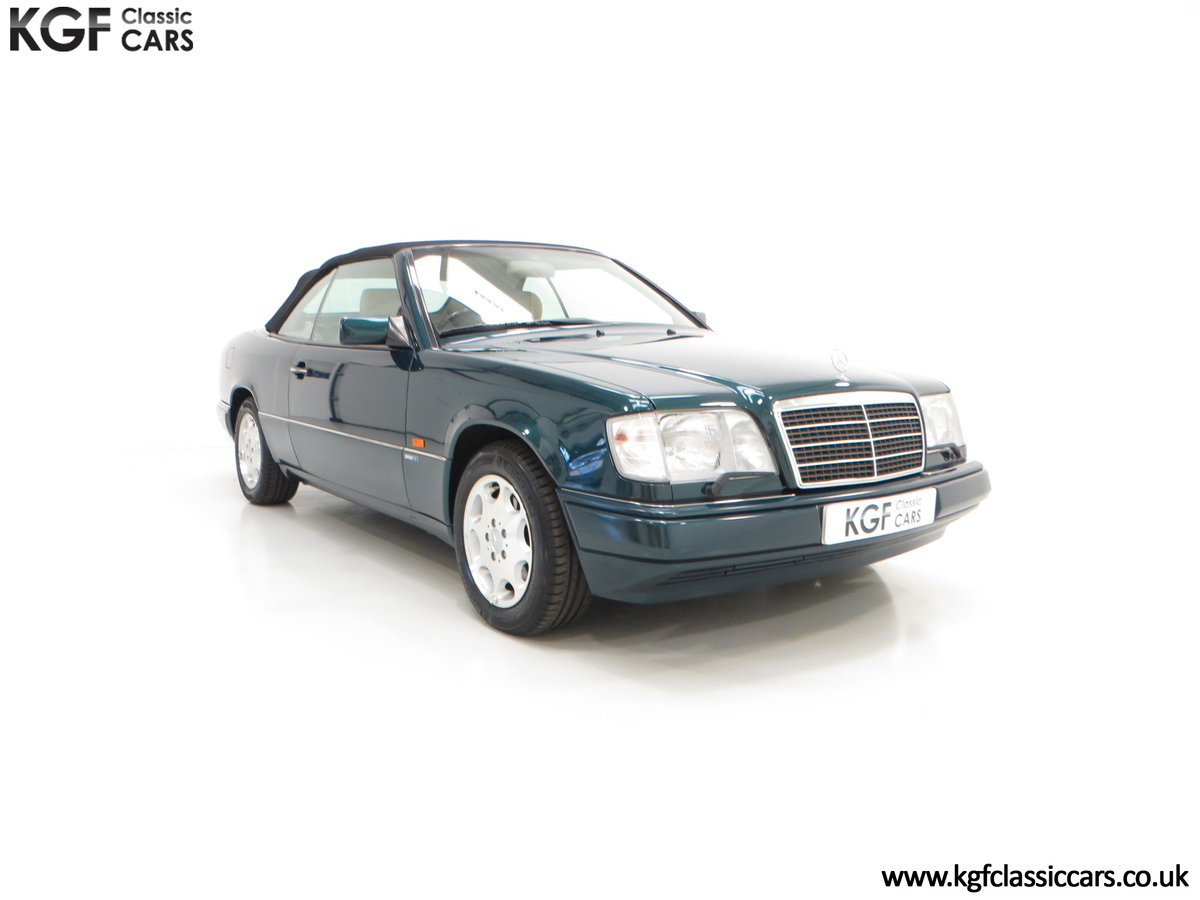 1996 An Outstanding Mercedes-Benz W124 E320 Sportline Cabriolet SOLD (picture 1 of 6)