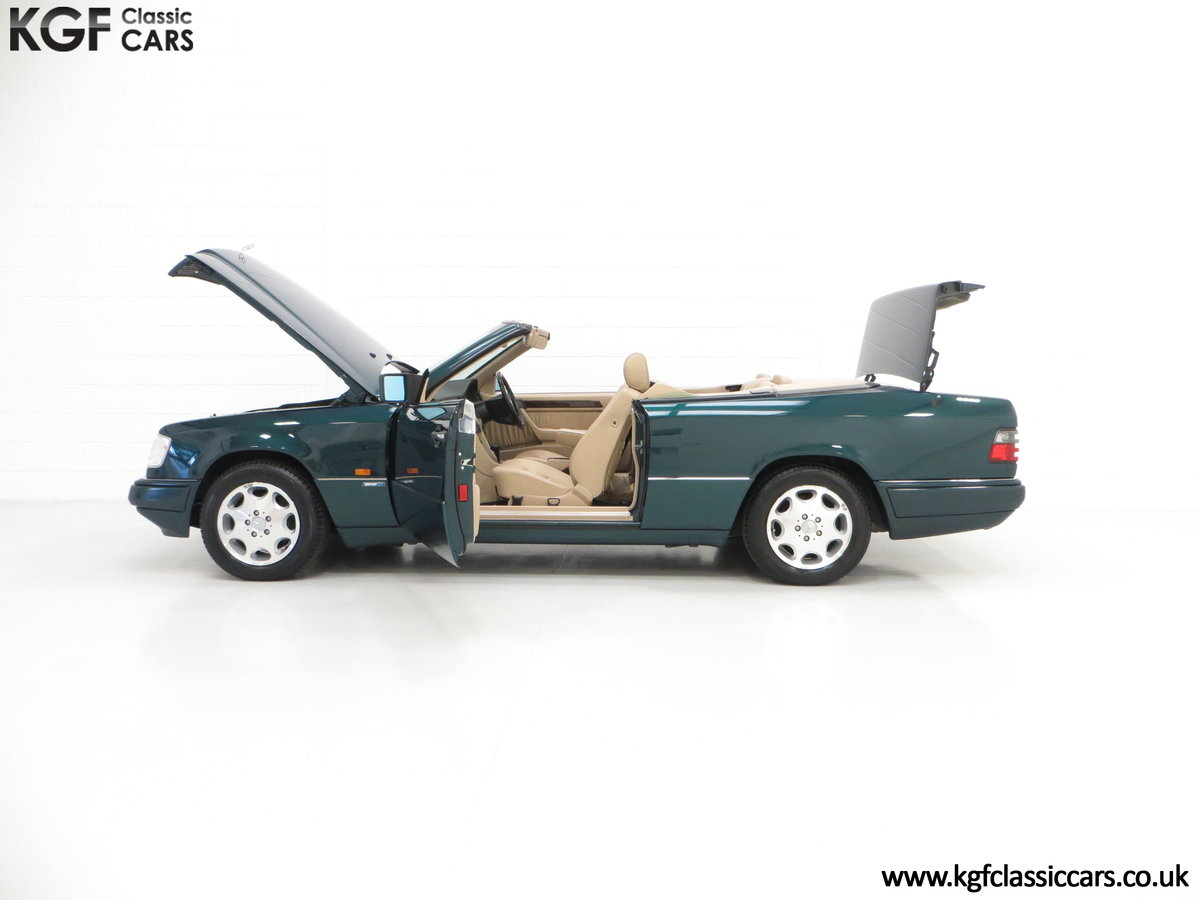 1996 An Outstanding Mercedes-Benz W124 E320 Sportline Cabriolet SOLD (picture 3 of 6)