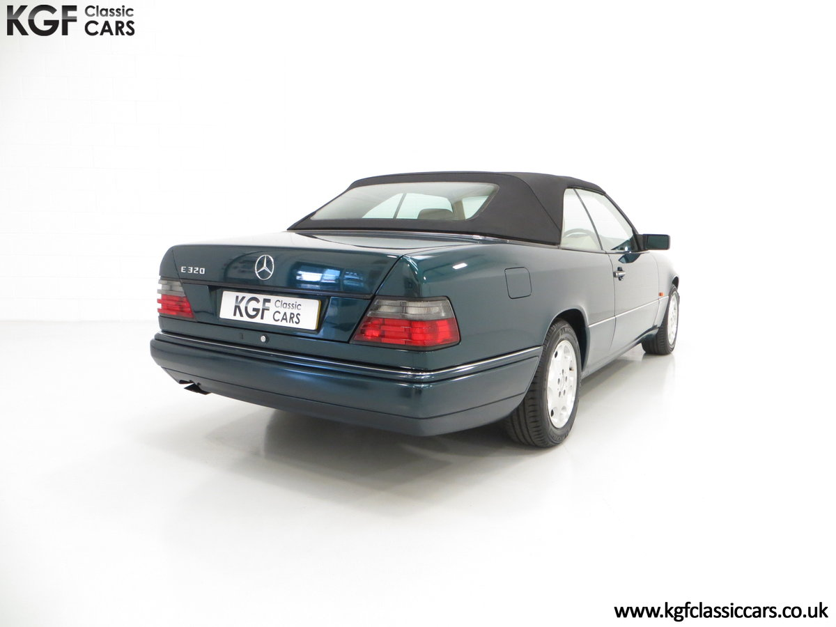 1996 An Outstanding Mercedes-Benz W124 E320 Sportline Cabriolet SOLD (picture 5 of 6)