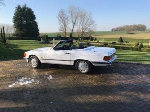 1987 Mercedes R107 SL300