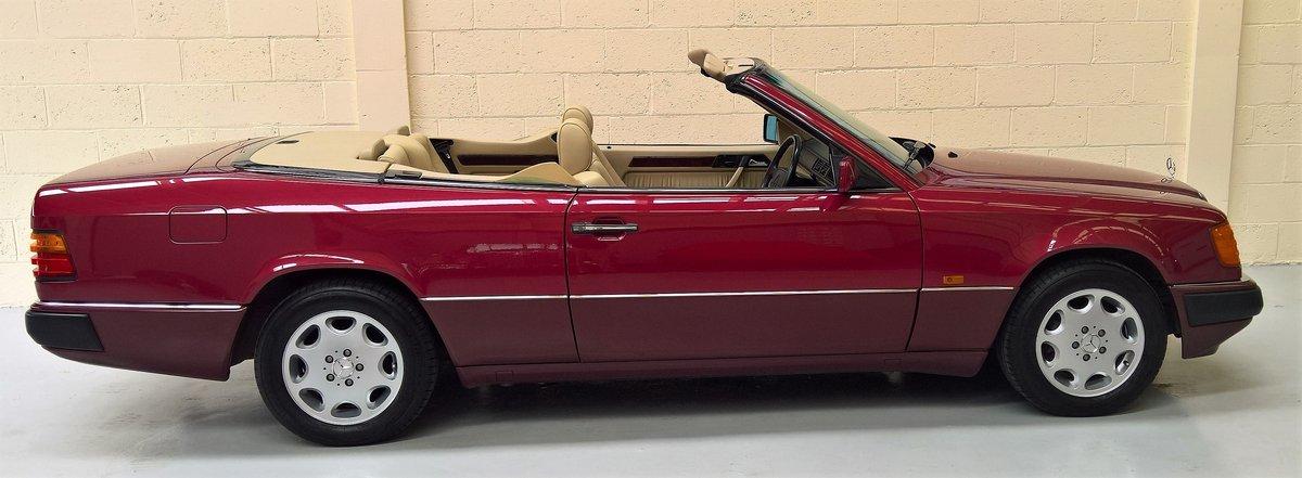 "MERCEDES 320CE ""SPORTLINE"" CABRIOLET - 1993L 53000 miles For Sale (picture 5 of 6)"