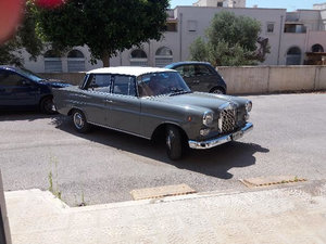Mercedes-Benz 200 (1967) For Sale