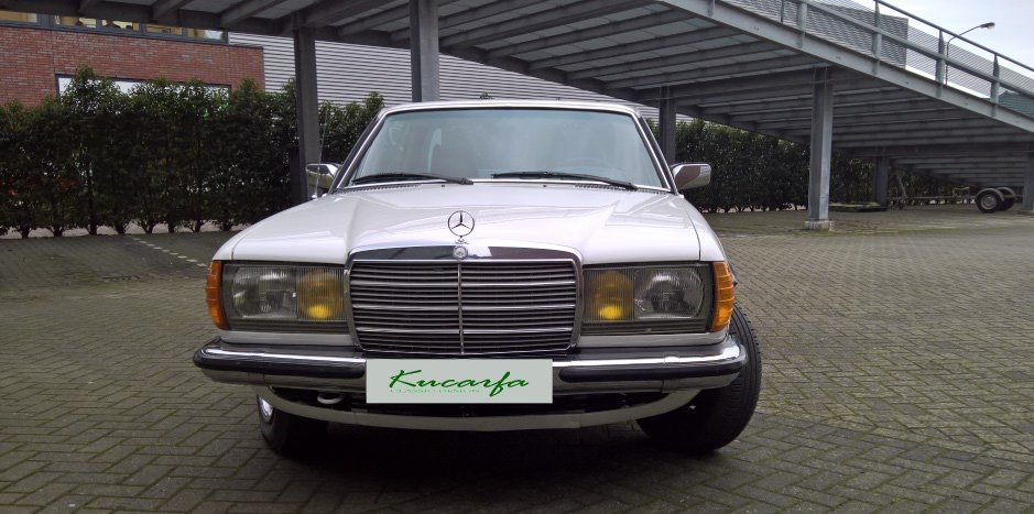 1977 Mercedes 230C (W123) For Sale (picture 2 of 6)