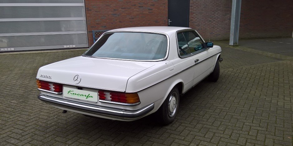 1977 Mercedes 230C (W123) For Sale (picture 3 of 6)