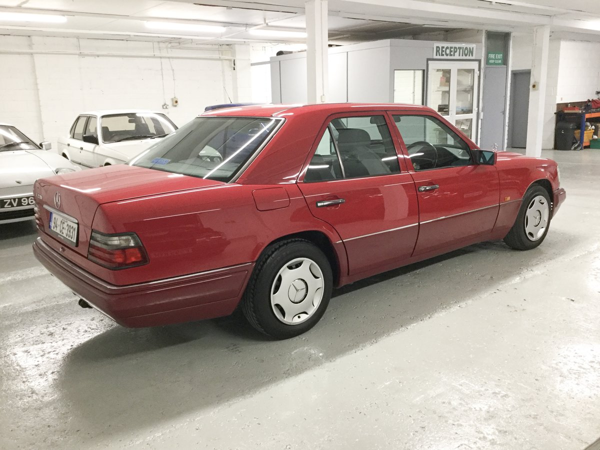 1994 Mercedes-Benz E220 For Sale (picture 2 of 6)