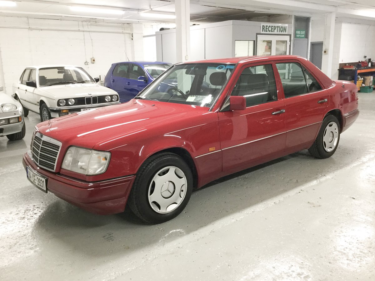 1994 Mercedes-Benz E220 For Sale (picture 5 of 6)