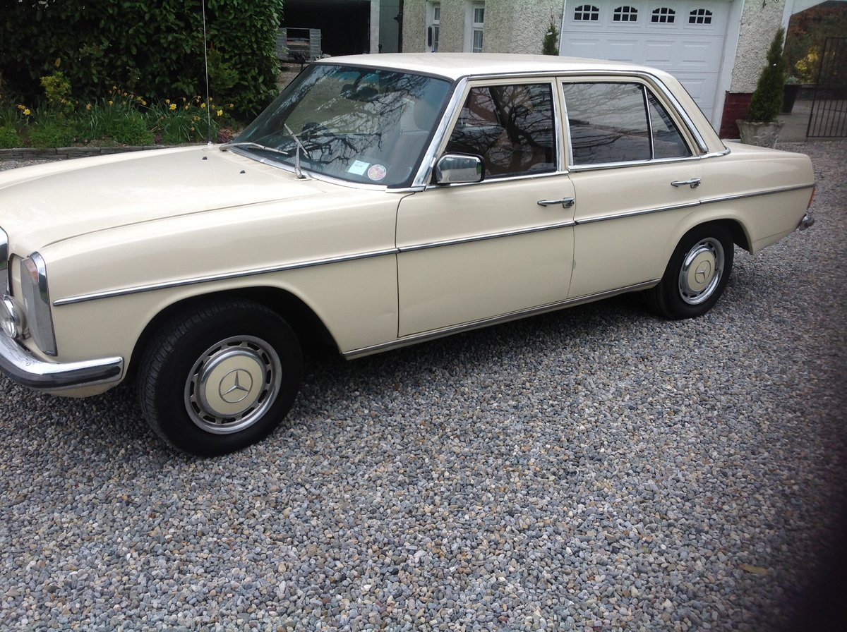 1975 Mercedes Benz 230 For Sale (picture 2 of 6)