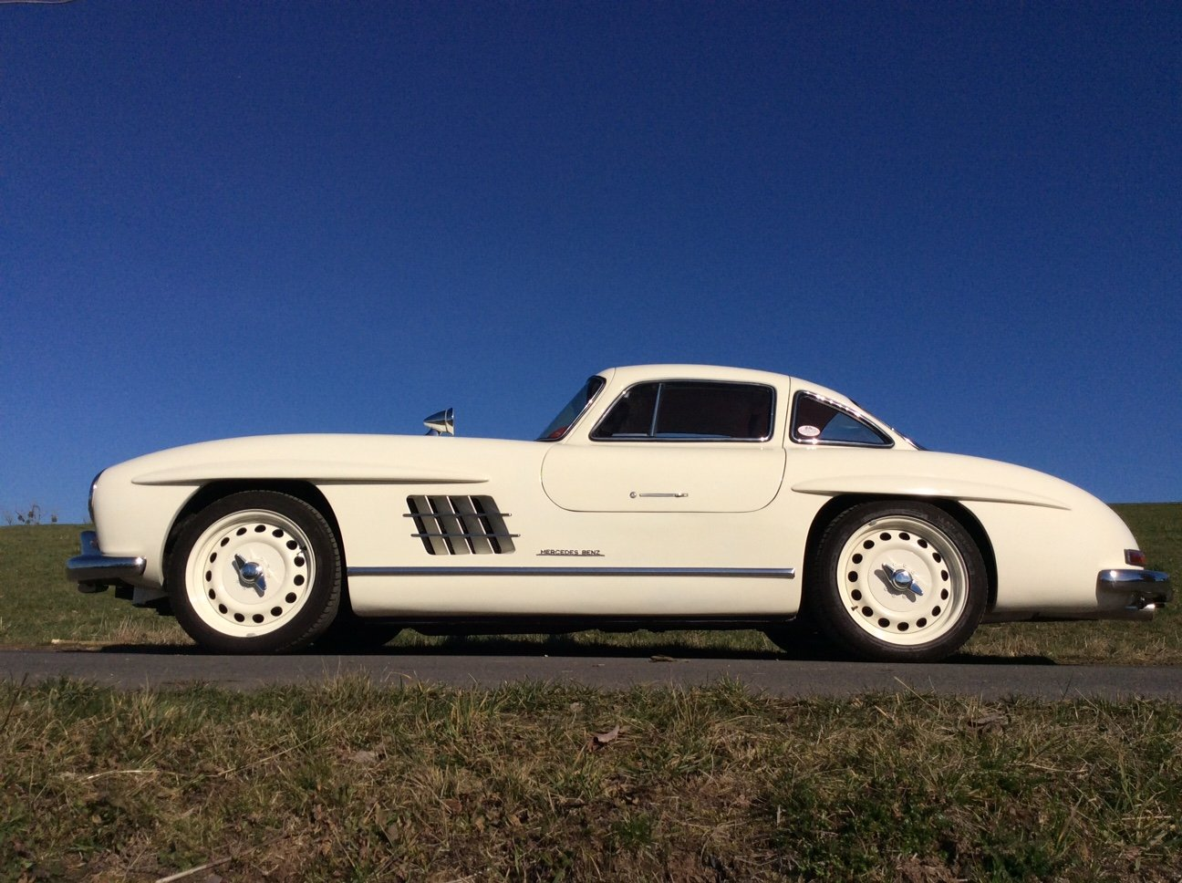 2002 Mercedes 300 SL Gullwing AMG 32 Kompr. Replica For Sale (picture 2 of 6)
