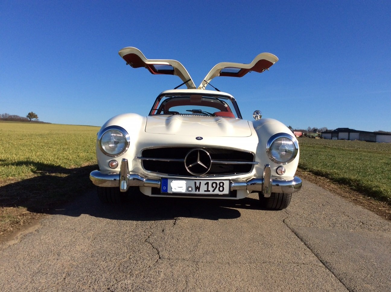 2002 Mercedes 300 SL Gullwing AMG 32 Kompr. Replica For Sale (picture 3 of 6)