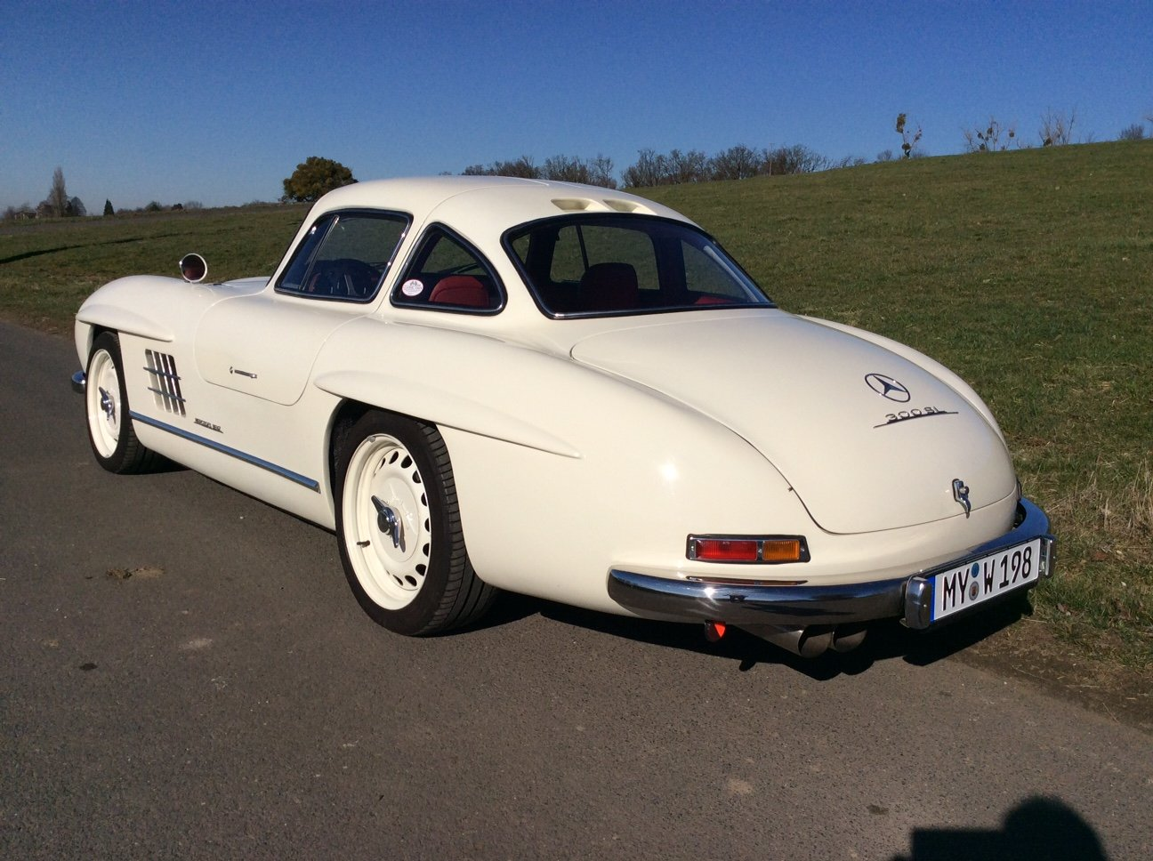 2002 Mercedes 300 SL Gullwing AMG 32 Kompr. Replica For Sale (picture 4 of 6)