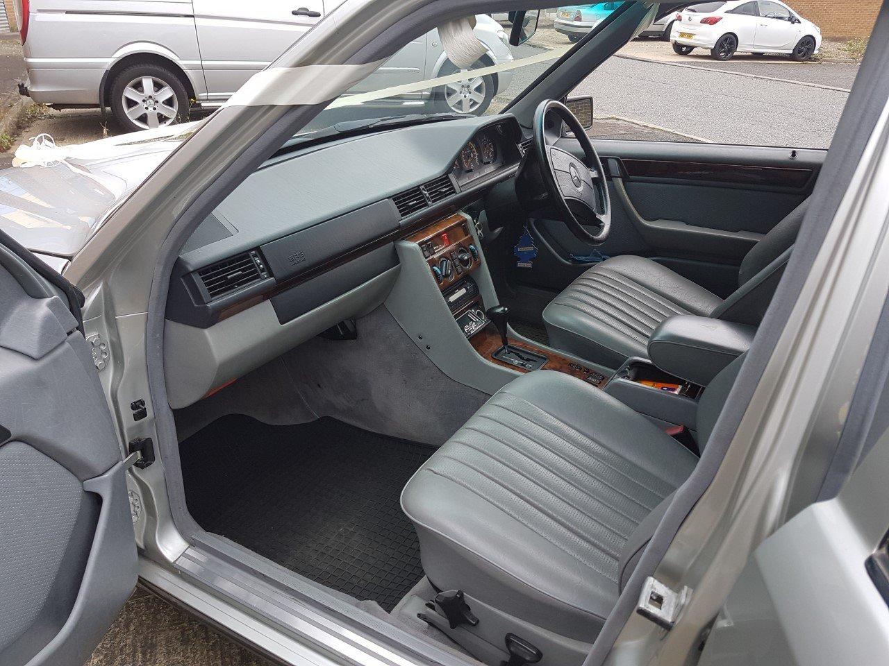 1992 Mercedes 6 door limousine For Sale (picture 5 of 6)