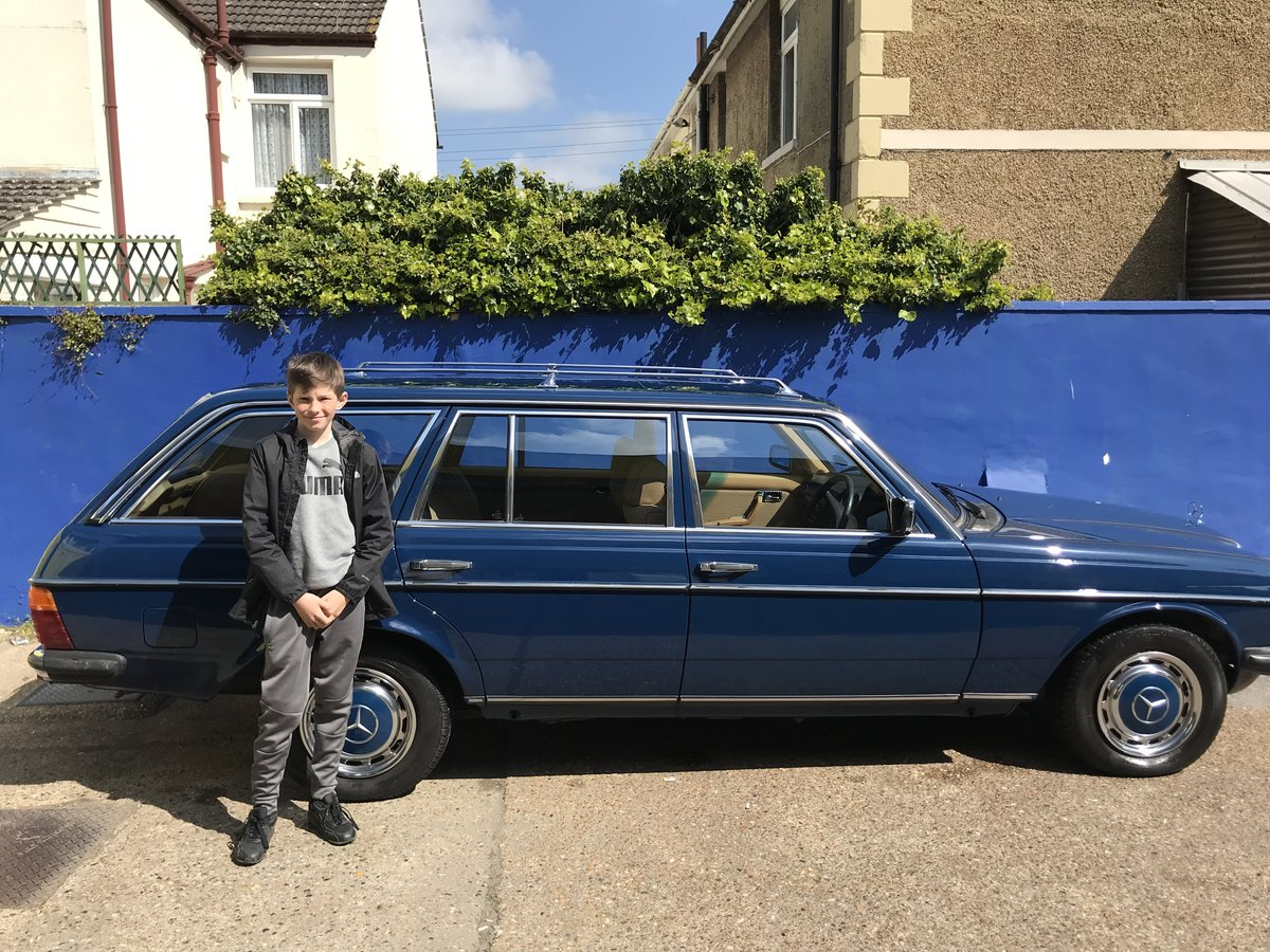 1984 Mercedes w123 estate 5 speed manual SOLD (picture 1 of 3)