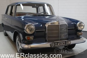 Mercedes-Benz 200 Heckflosse 1967 Mittelblau paint For Sale