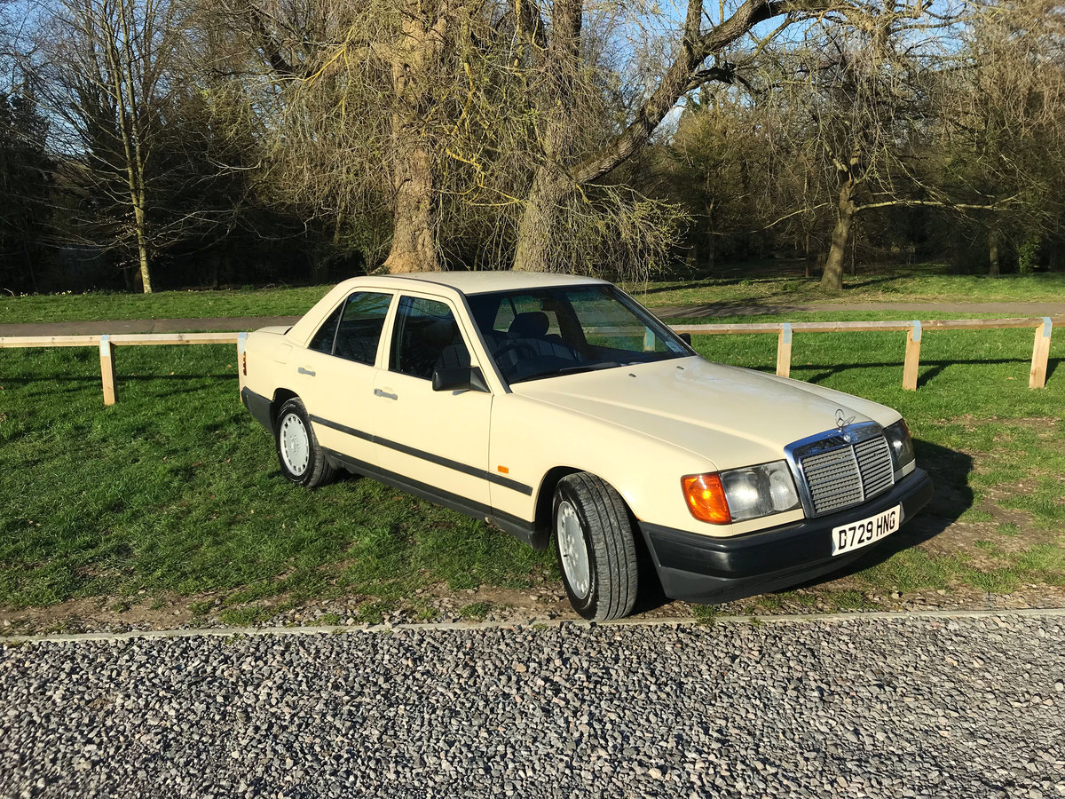 QUICK SELL NEEDED: 1987 Mercedes-Benz E CLASS W124 For Sale (picture 2 of 6)