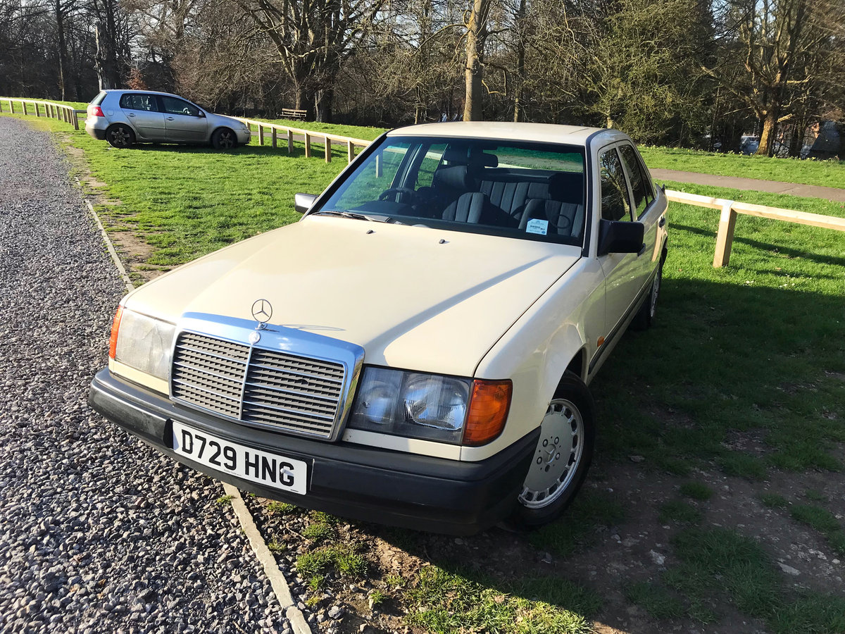 QUICK SELL NEEDED: 1987 Mercedes-Benz E CLASS W124 For Sale (picture 3 of 6)