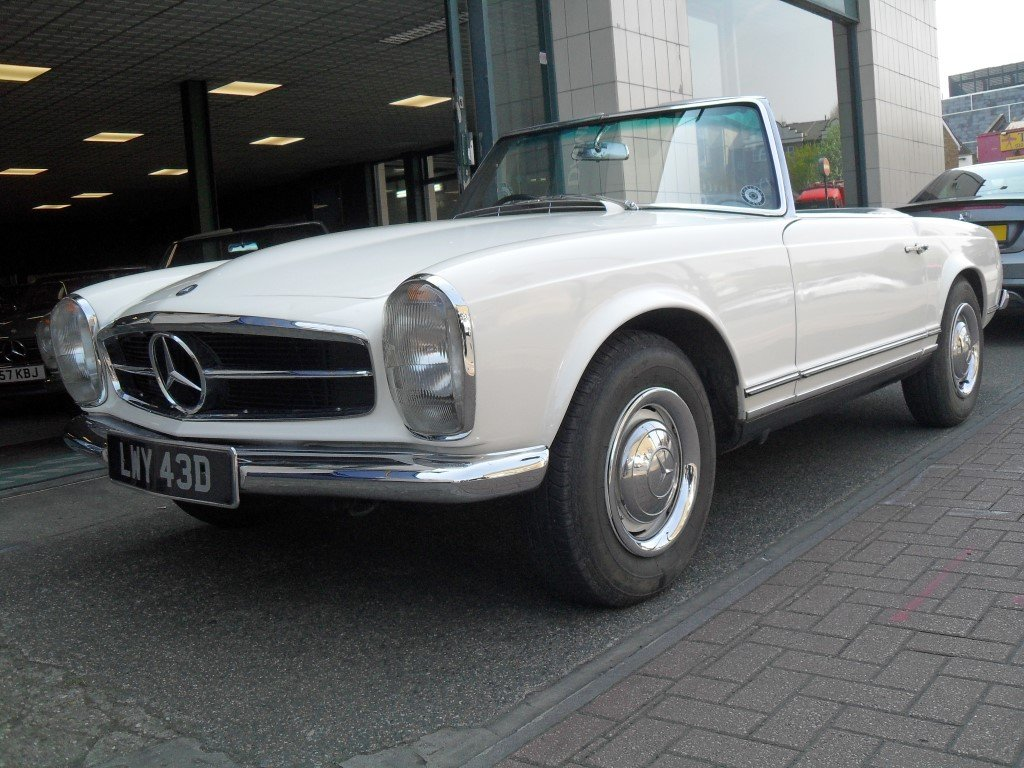 1966 Mercedes Benz 230SL Pagoda ,just 24,000 miles showing For Sale (picture 3 of 5)