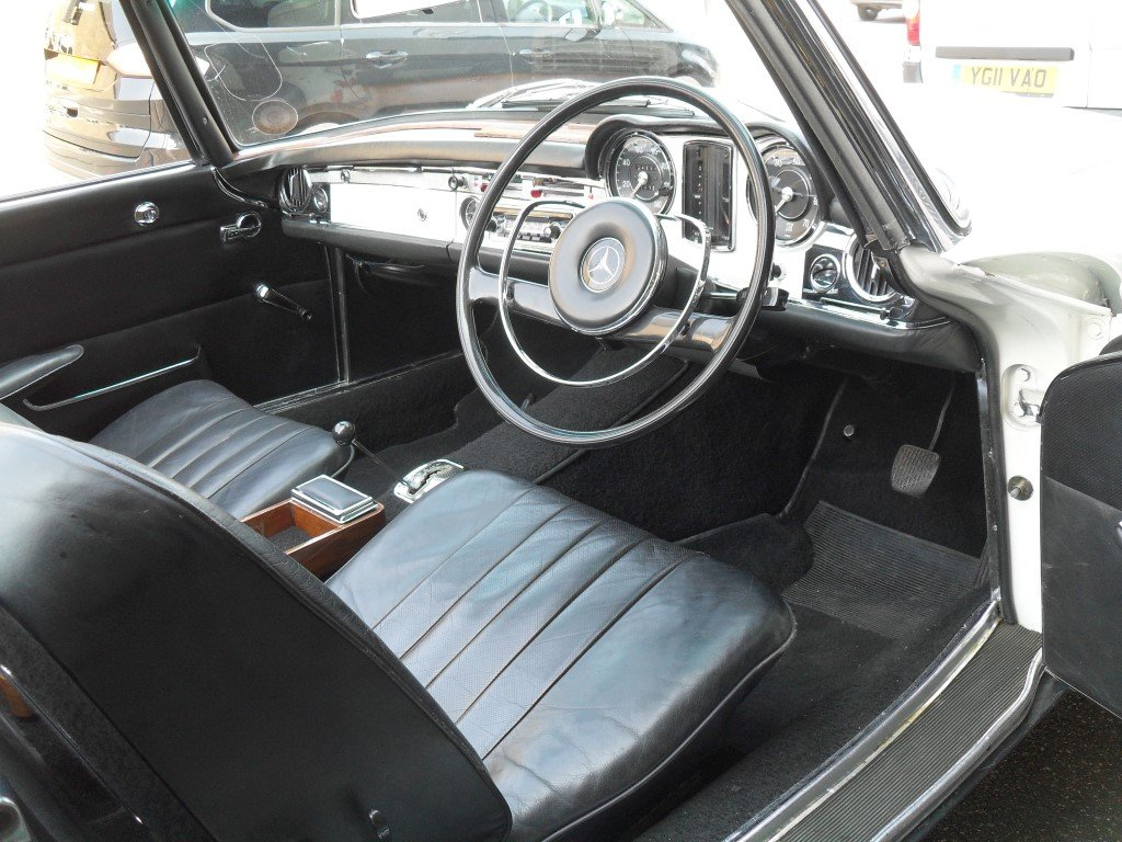 1966 Mercedes Benz 230SL Pagoda ,just 24,000 miles showing For Sale (picture 4 of 5)