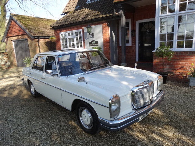 1972 MERCEDES 250 AUTO For Sale (picture 1 of 3)