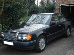 Mercedes 260e auto - May 1989 For Sale