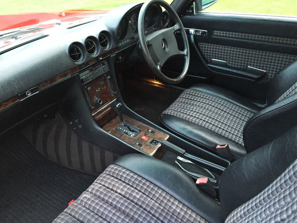 A 1987 Mercedes-Benz 300SL - 23/06/2019 For Sale by Auction (picture 3 of 6)