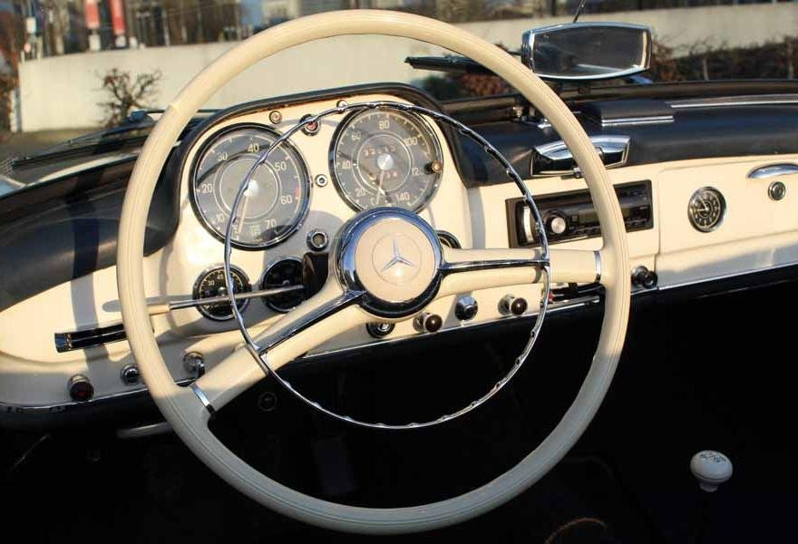 1962 Mercedes 190 SL Roadster (LHD) for sale in London For Sale (picture 9 of 12)