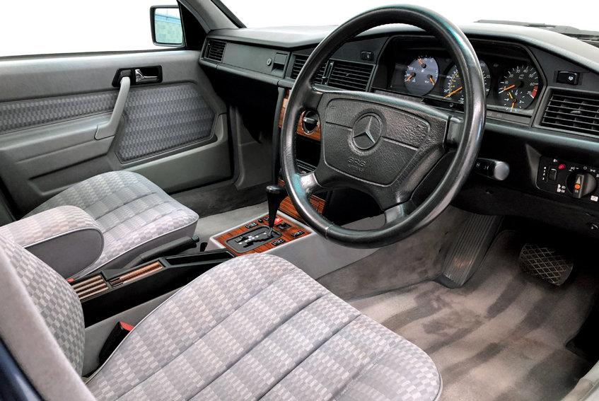 1994 Mercedes 190e 2.6 auto SOLD (picture 3 of 6)