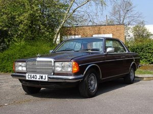 1986 Mercedes-Benz 230 CE For Sale by Auction