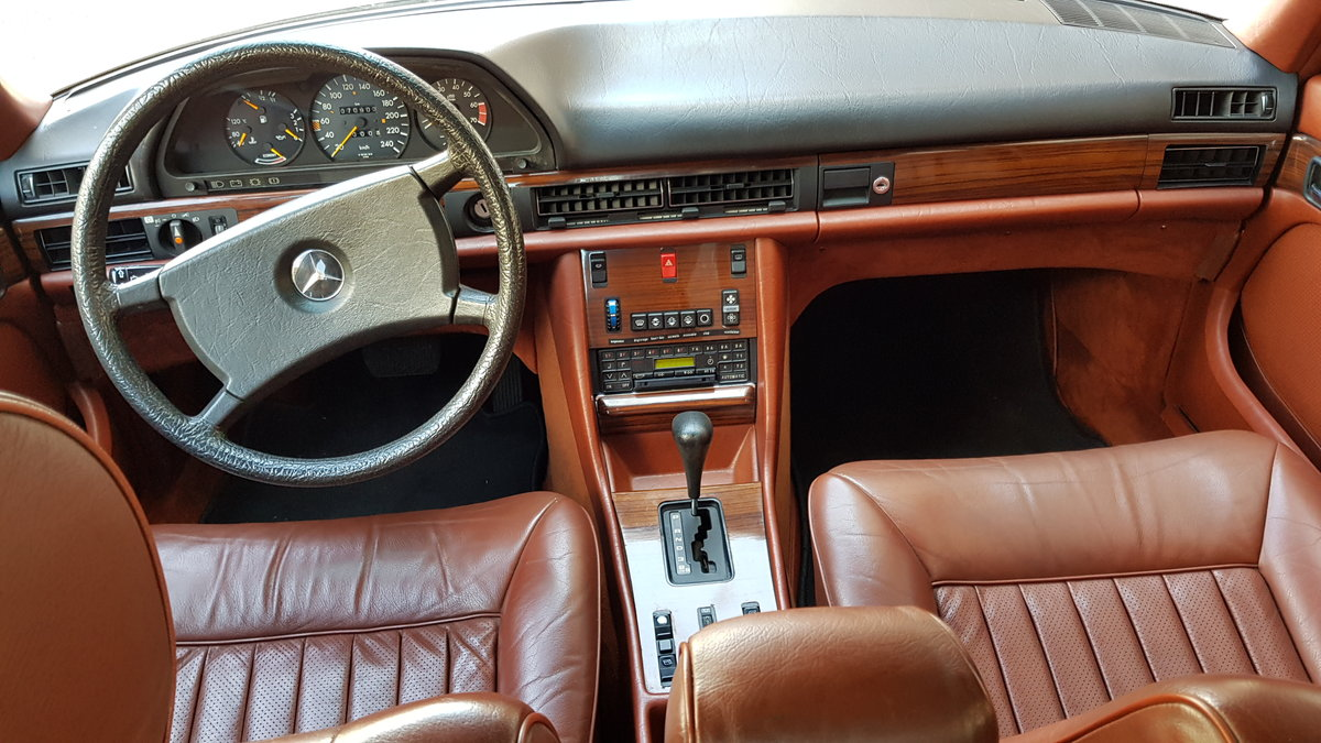 1982 MB (W126) 380SE  71000 Kms (44,400 Mls) from new For Sale (picture 4 of 6)