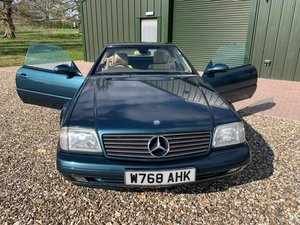 2000 LOVELY  LOW  MILEAGE  FSH  PAN  ROOF  STUNNING  SL 280  SOLD