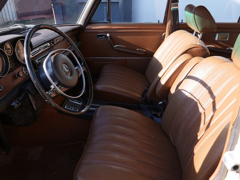 1972 Mercedes Benz 280SE 4.5 with AC For Sale (picture 4 of 6)