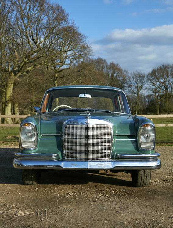 1963 Beautiful Mercedes W111 220S Heckflosse for sale For Sale (picture 2 of 6)