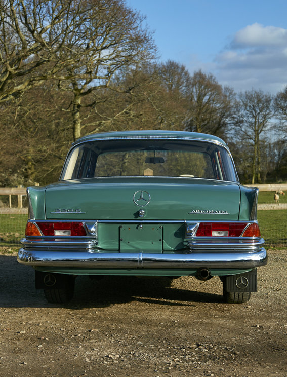 1963 Beautiful Mercedes W111 220S Heckflosse for sale For Sale (picture 3 of 6)