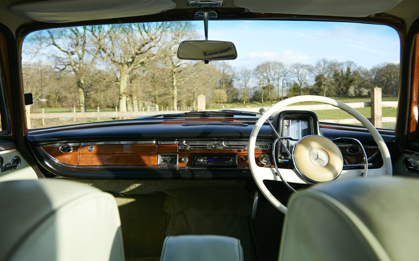 1963 Beautiful Mercedes W111 220S Heckflosse for sale For Sale (picture 5 of 6)