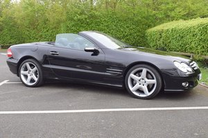 2006/06 Mercedes-Benz SL500 7G-Tronic Convertible in Black For Sale