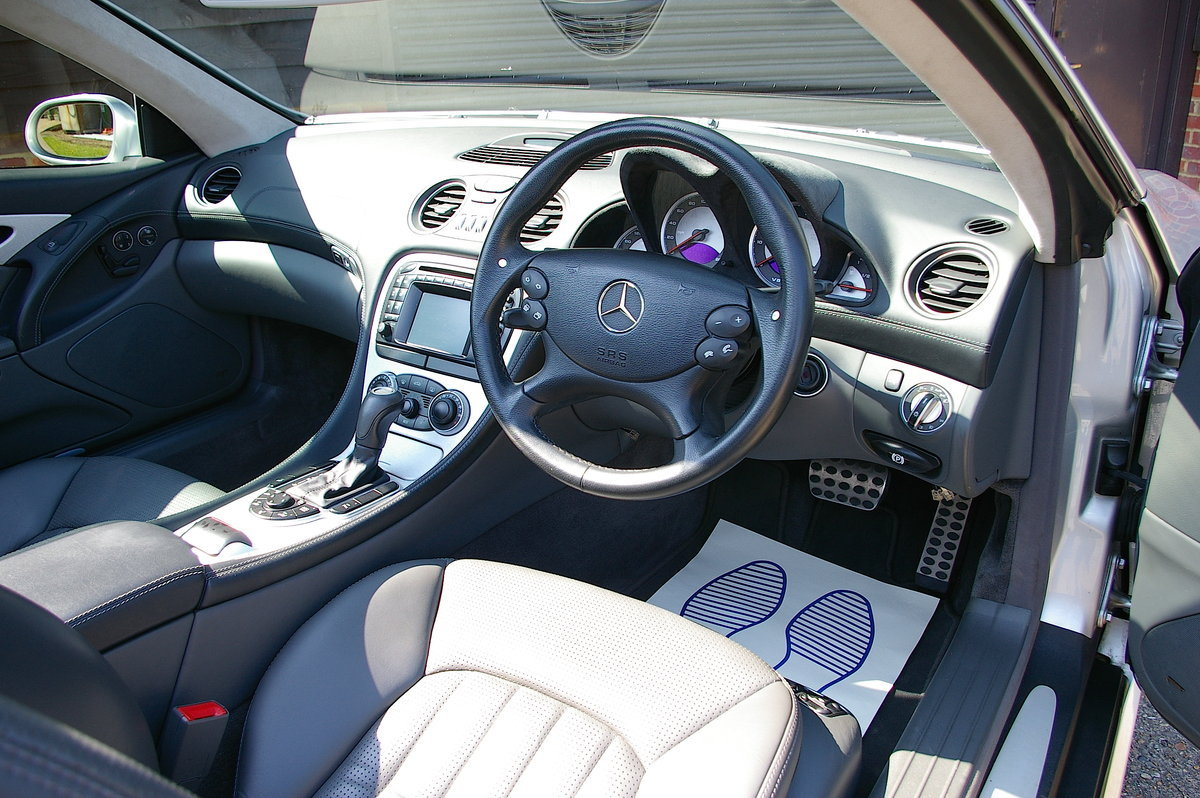 2003 Mercedes Benz SL55 AMG 5.5 V8 Kompressor Auto (55,301 miles) For Sale (picture 4 of 6)