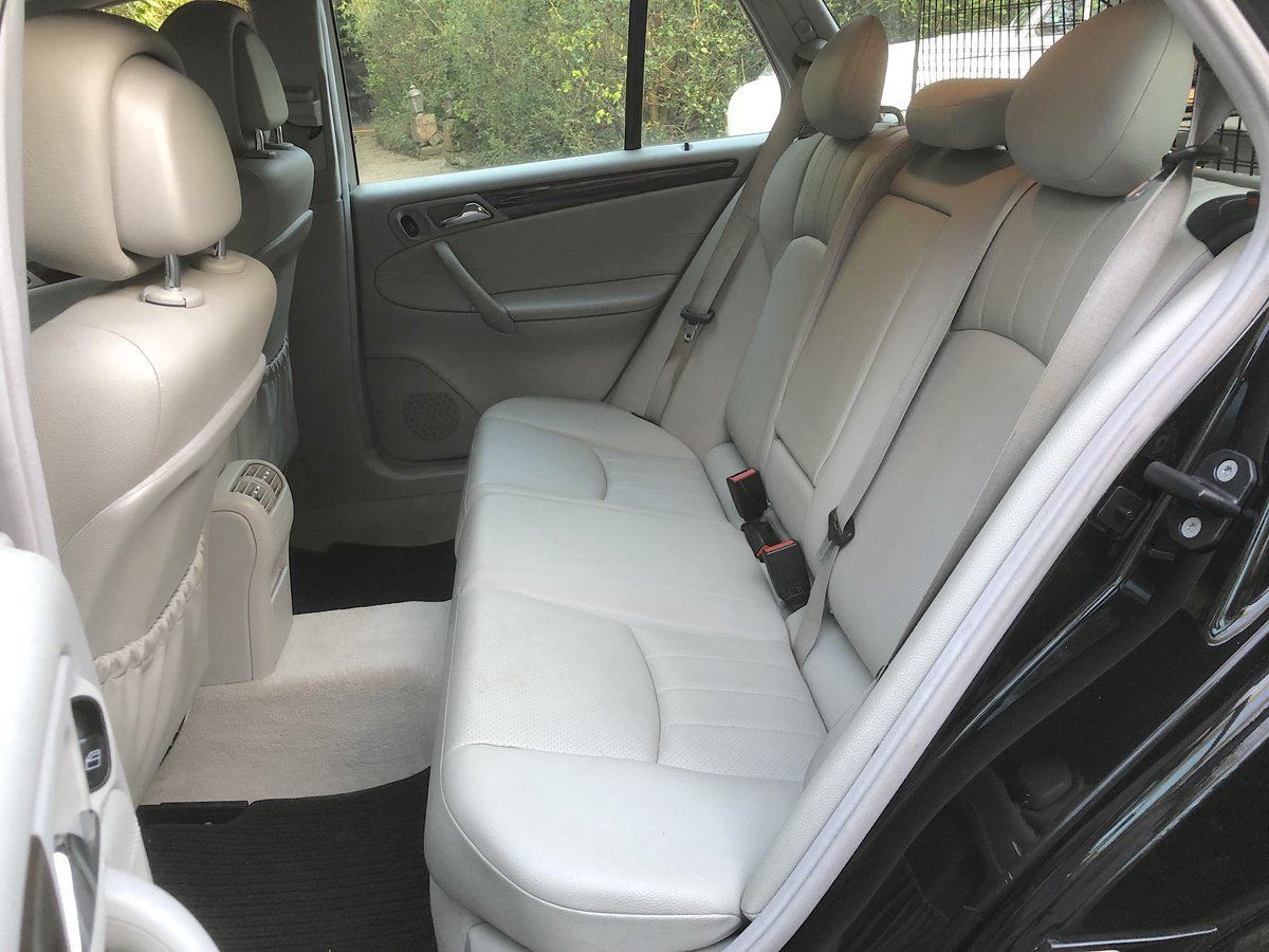 2007 Mercedes C180 Elegance Estate  May Px For Sale (picture 5 of 6)