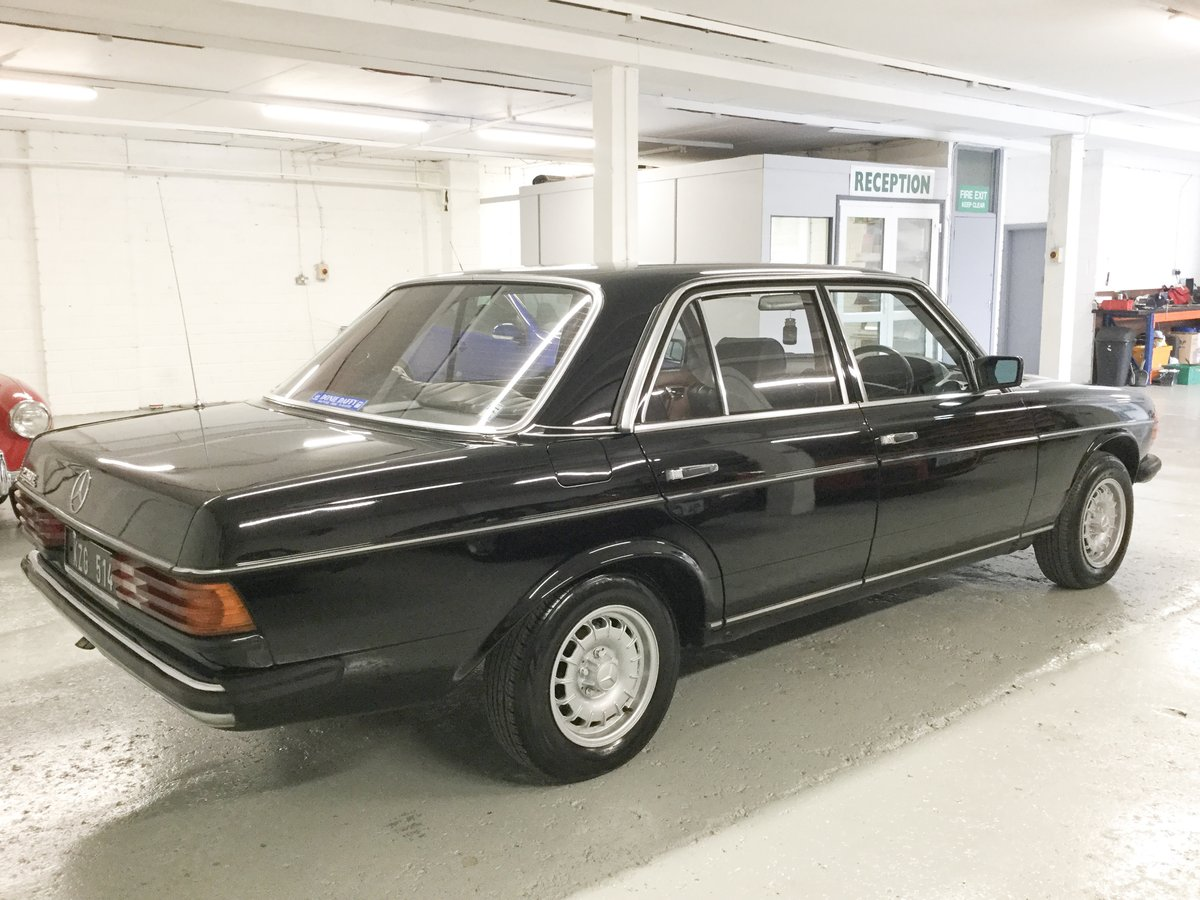1983 Mercedes-Benz 230E Original Irish Car SOLD (picture 2 of 6)