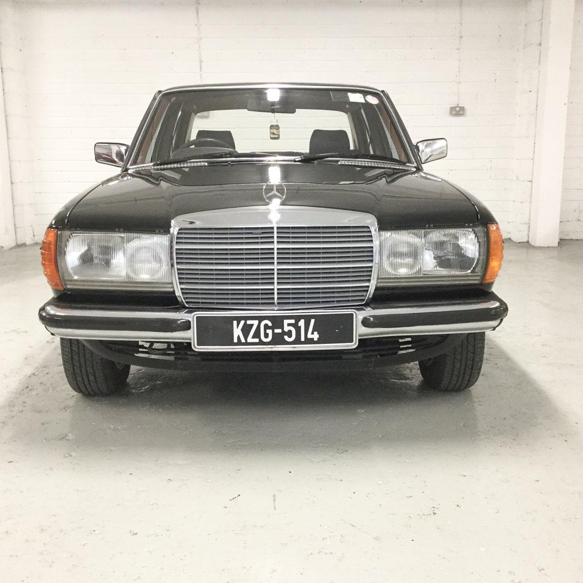 1983 Mercedes-Benz 230E Original Irish Car SOLD (picture 3 of 6)