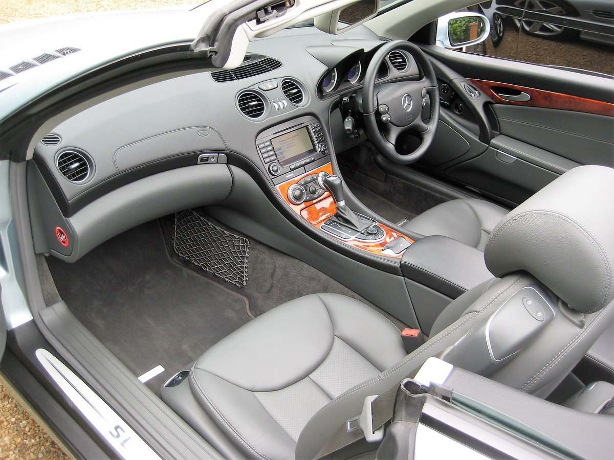 2005 Mercedes Benz SL350 With Just 16,000 Miles From New For Sale (picture 3 of 6)