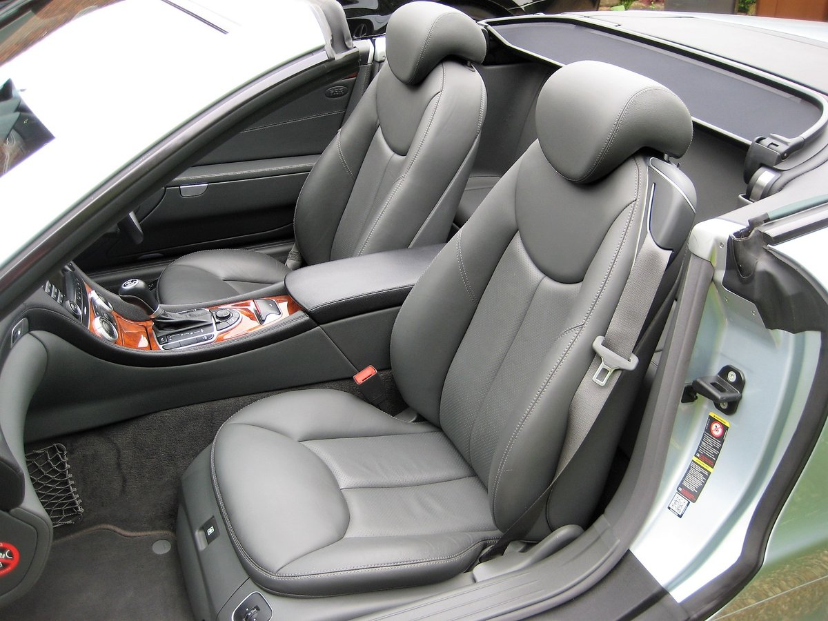 2005 Mercedes Benz SL350 With Just 16,000 Miles From New For Sale (picture 4 of 6)