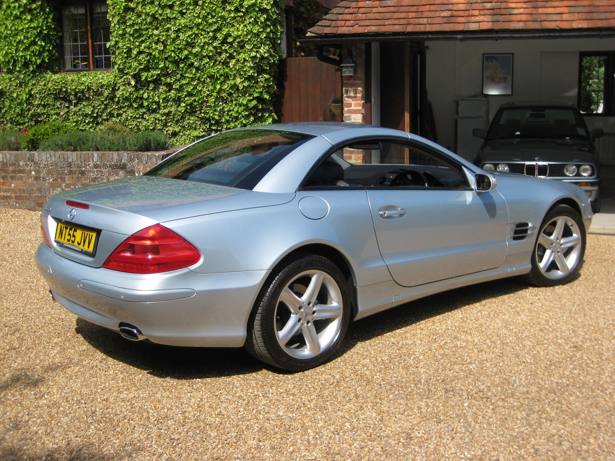 2005 Mercedes Benz SL350 With Just 16,000 Miles From New For Sale (picture 5 of 6)