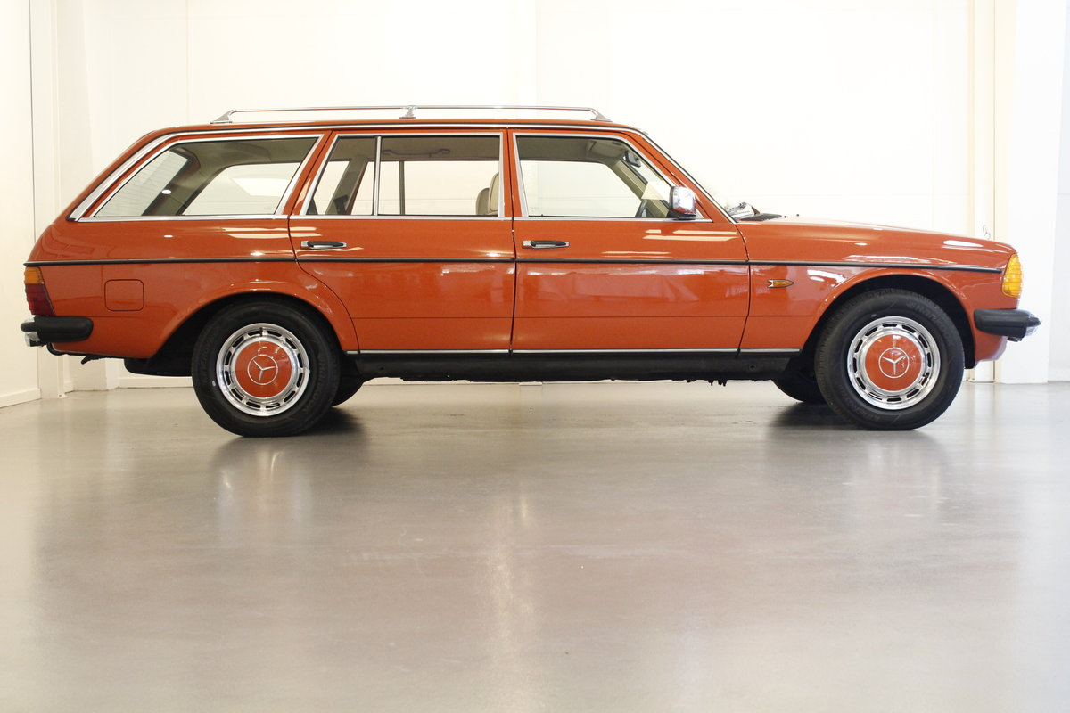 1982 Mercedes-Benz 250 TE Automatic SOLD (picture 3 of 6)