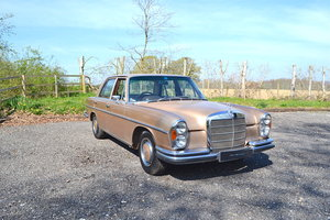 1972 Mercedes-Benz 280SE 3.5 Saloon RHD For Sale