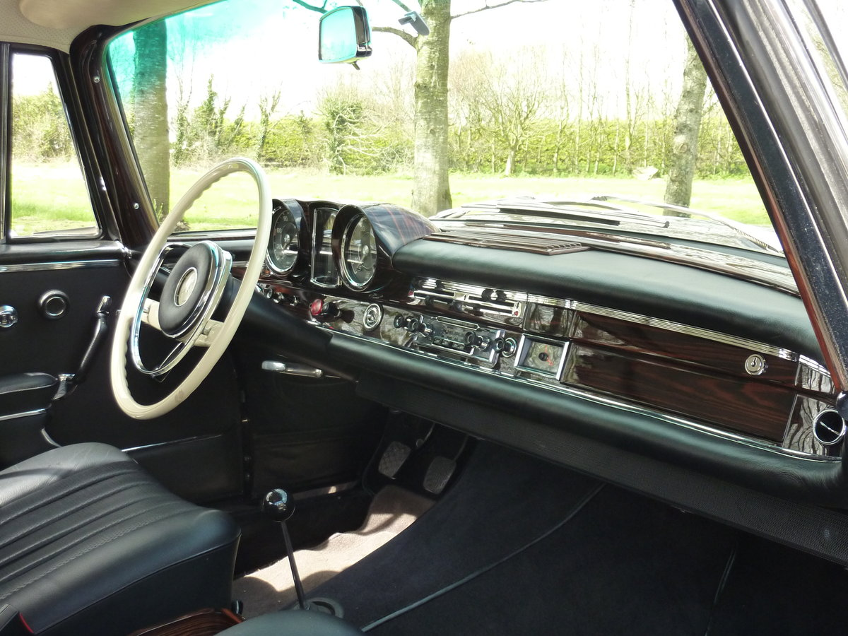 1965 Mercedes W111 Coupe CONCOURS condition For Sale (picture 4 of 6)
