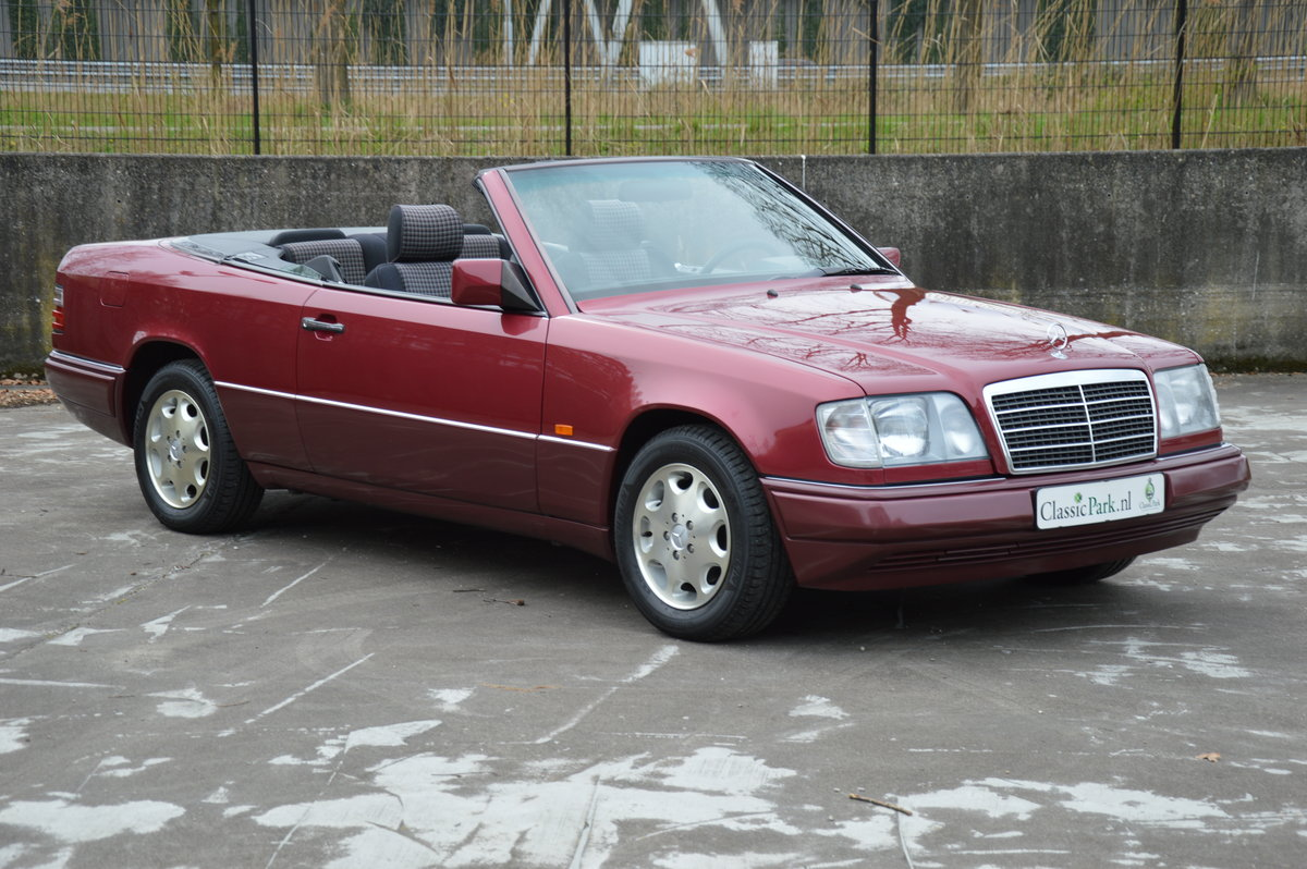 (1017) Mercedes-Benz E200 - 1994  For Sale (picture 3 of 6)