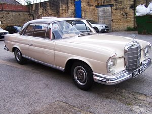 Mercedes-Benz 250SEB Coupe (W111)